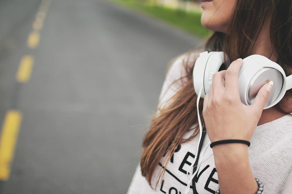 Les filles en matière de musique.